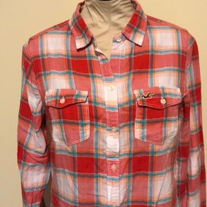 Hollister Tops - NWT Hollister plaid shirt